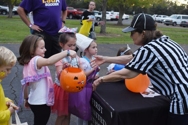 LSUA will continue the community tradition of Trick or Treat Street on the LSUA campus this year, albeit a little different. The event will be held Thursday, Oct. 28 on the LSUA campus. Families are asked to pre-register for a specific time slot and adhere established guidelines.