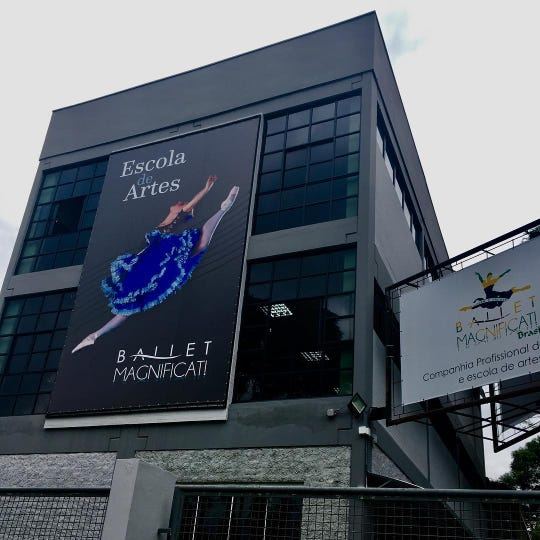Ballet Magnificat! dance studio located in Curitiba, Brazil. The building has three stories with three dance studios.