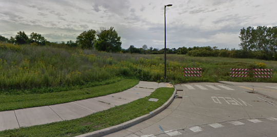 A vacant Oak Creek site is to soon undergo site preparation work for a new mail processing center.