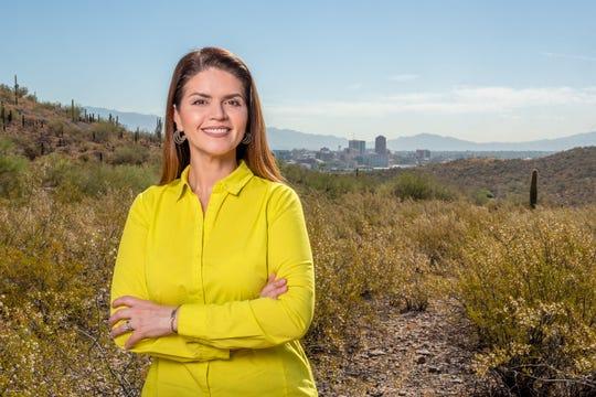 Fotografía cedida por la campaña electoral de Regina Romero quien en las elecciones municipales del 5 de noviembre competirá por la alcaldía de la ciudad de Tucson (Arizona), en la cual lleva de concejala desde 2007