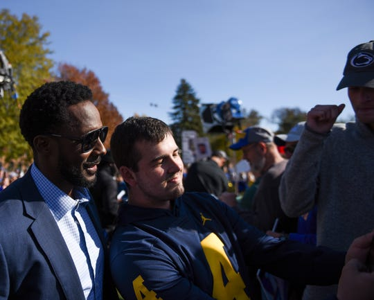 Desmond Howard takes a selfie with a fan after GameDay live is taped on Friday, Oct. 25, 2019 at SDSU in Brookings, S.D.