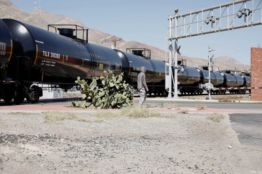 A Union Pacific car train derailed Friday, Oct. 25, 2019, causing a traffic backup in Central El Paso.