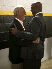 Barry Bonds and Jim Leyland were an out away from making the World Series with the Pirates in 1992.