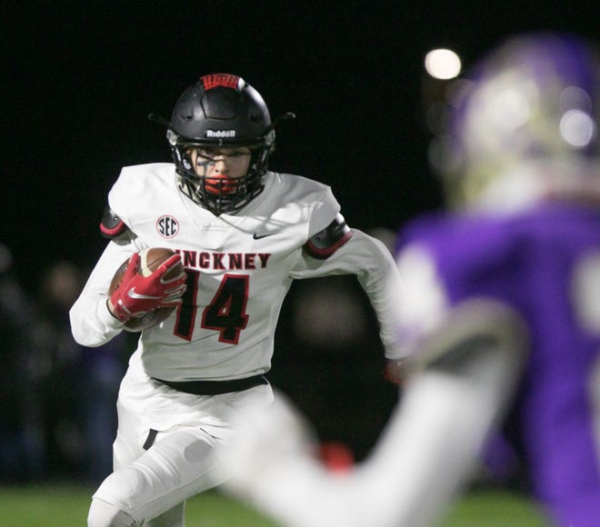 Caleb Wardlow of Pinckney carries the ball at Fowlerville Friday, Oct. 25, 2019.