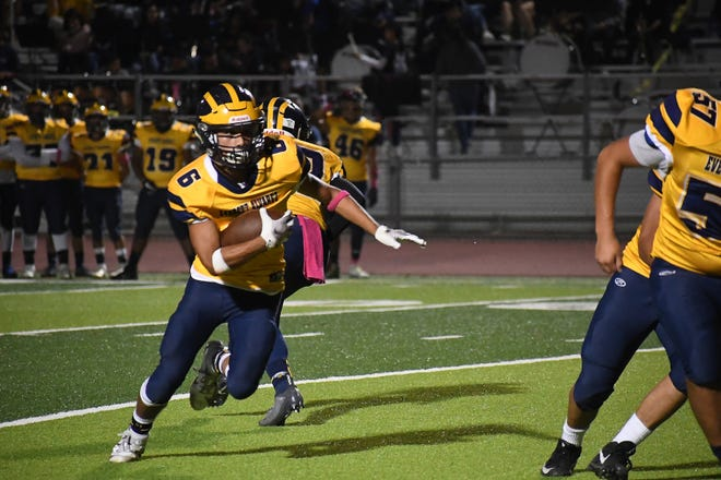 Everett Alvarez running back Braden Arriaga-Lopez (6) had over 100 total yards and two touchdowns Friday against Palma and earned Athlete of the Week honors.
