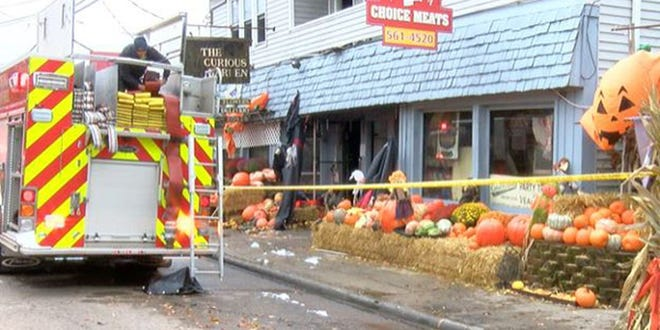 A fire occurred at a Madeira business/ apartment complex early Sunday morning leaving one firefighter injured. (Source: WXIX)