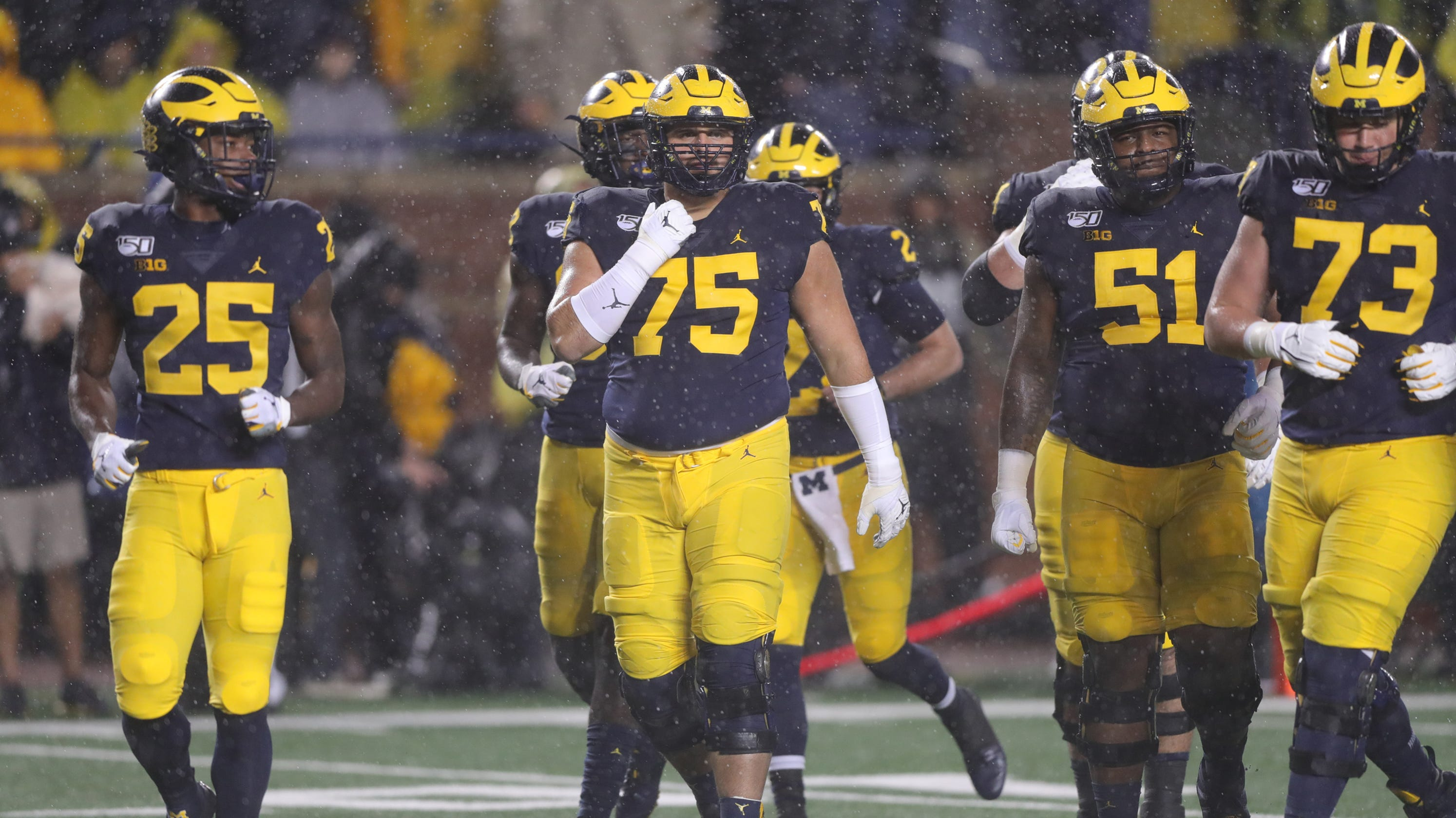 Michigan football's offensive line dominates Notre Dame by going back to 2018 plays - Detroit Free Press