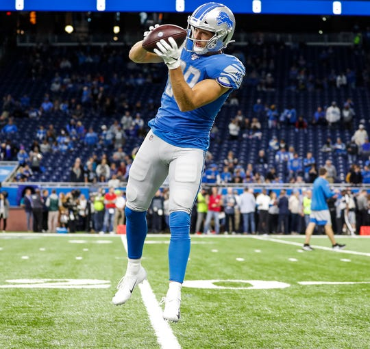 Lions tight end Jesse James warms up at Ford Field before the Giants game in Detroit, Sunday, Oct. 27, 2019.