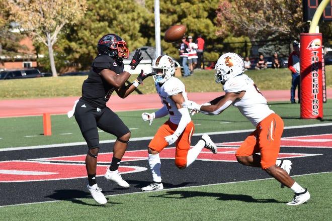 SUU running back Thomas Duckett catches a 22-yard touchdown during game last season.
