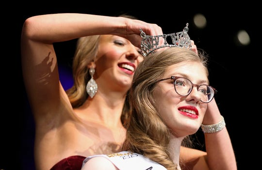 Tabitha Hoyt is crowned by Miss Wisconsin Rapids 2019 Danielle Moon after being named the winner of the 2020 Miss Wisconsin Rapids Competition on Saturday, October 26, 2019, at the Performing Arts Center of Wisconsin Rapids in Wisconsin Rapids, Wis. Tork Mason/USA TODAY NETWORK-Wisconsin