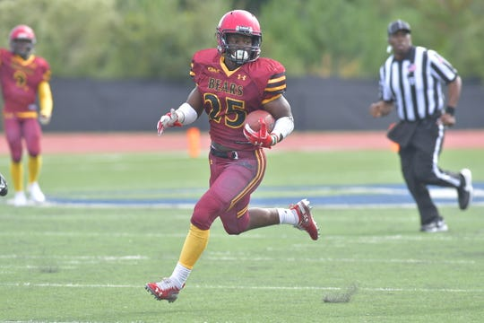 Sidney Gibbs earned his second Rookie of the Week award for his homecoming performance against Livingstone College, in which he picked up more than 220 yards of total offense and tied a Shaw University record with three touchdowns.