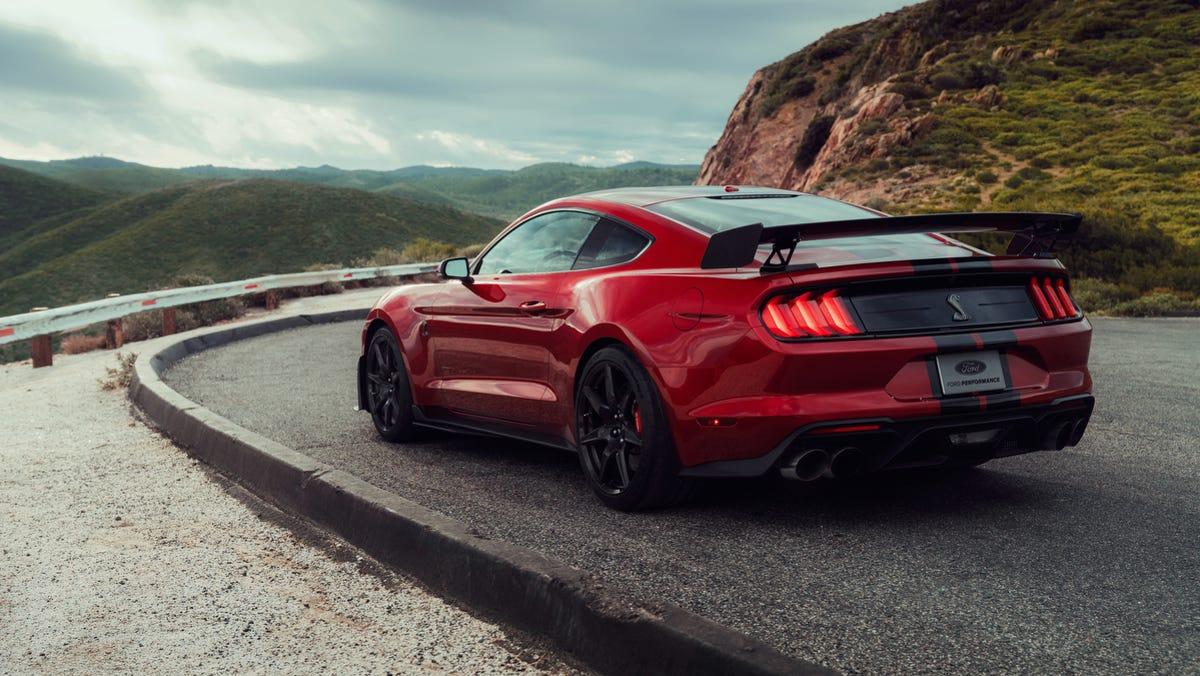 Brutally Quick 760 Hp 2020 Mustang Shelby Gt500 Strikes Like Lightning