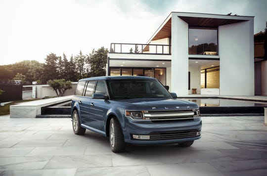 After more than a decade in production, Ford Motor Co. is killing the Flex and its Lincoln twin, the MKT, as part of its move into broadening its truck and SUV lineup for North America.