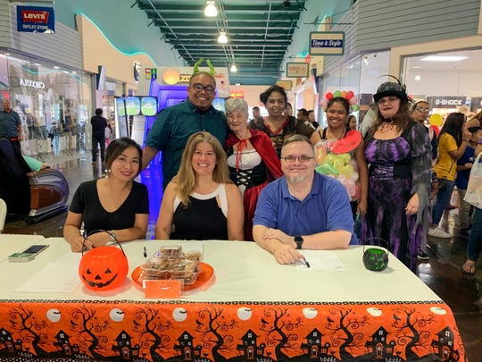 Pictured in front from left: Judges - Pooh Hsu, Maia Ocampo, Nathan Horn. Back row: Event host - Kyle Mandapat, Feathers 'N Fins team - Barbara Zimmerman, Marie Laniog, Julianna Tedtaotao and Samanta Santos.