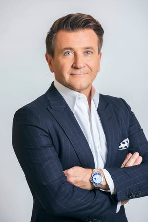 Robert Herjavec will discuss the impact technology can have on enhancing operations for Wisconsin businesses at  a 2019 U.S. Cellular Tech Tour event.