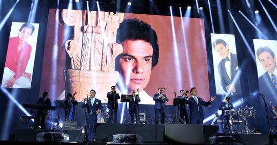 La Internacional Sonora Santanera recordó con gran cariño a José José.