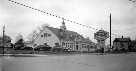 Howard Johnson's on Main Street in Poughkeepsie was a popular place to get a meal.