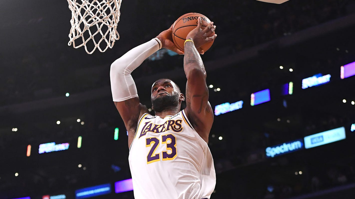 LeBron James evacuates LA home, relocates family to hotel because of wildfires