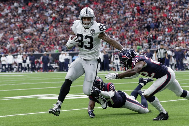 Raiders tight end Darren Waller (83) has scored three touchdowns over the past two games.