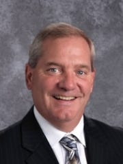 Current executive director of United Way of Sheboygan County, Tom Malmstadt, announced his retirement.