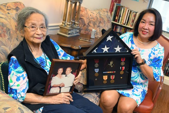 The late Alfonso Baes' widow, Leonila (left), and daughter Liberty Rovira will receive his Congressional Gold Medal for Filipino World War II veterans.