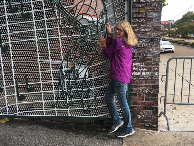 Abby Hutton fulfilled a lifetime dream on her 13th birthday. She visited Elvis Presley's Graceland in Memphis.