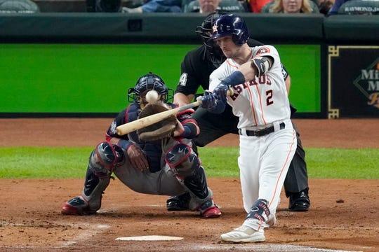 Alex Bregman de los Astros de Houston bateó un jonrón contra los Nacionales de Washington durante la primera entrada del Juego 6 de la Serie Mundial de béisbol el martes 29 de octubre de 2019 en Houston.