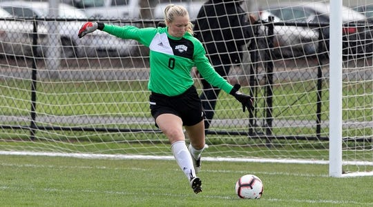 The Wolves won two 1-0 games over the weekend behind shutouts from Alex Qualls.