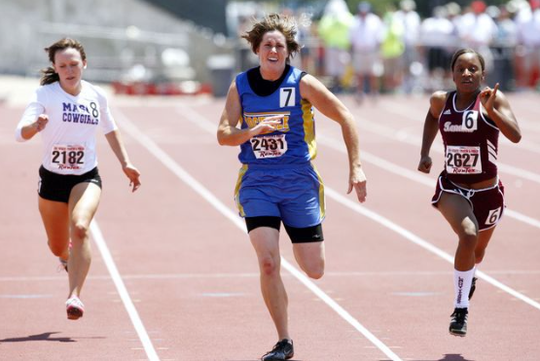 Bonnie Richardson sprints to a third-place finish during the Class 1A girls 200-meter dash at the 2009 State Track and Field Championships in Austin.