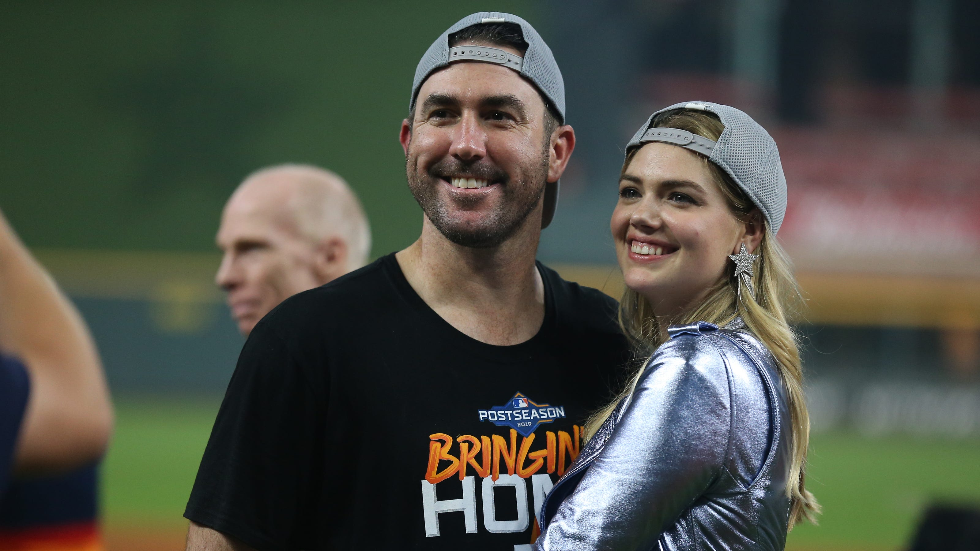 Kate Upton Justin Verlander S Wife Tweets About World Series Call