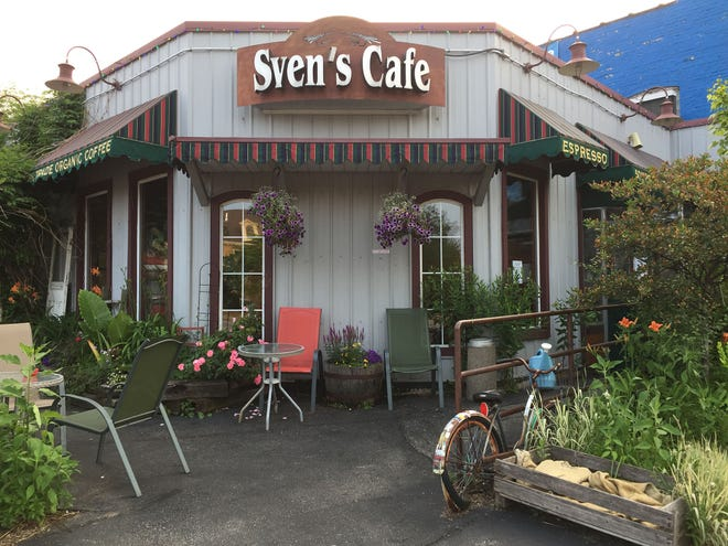 The owners of Hue Vietanamese Restaurant have bought the former Sven's European Cafe property, 2699 S. Kinnickinnic Ave. in Bay View. The longtime cafe closed in summer.