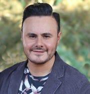 José Luis no se complica con los dimes y diretes de su vida personal, lo suyo es la buena música y en eso se ocupa.