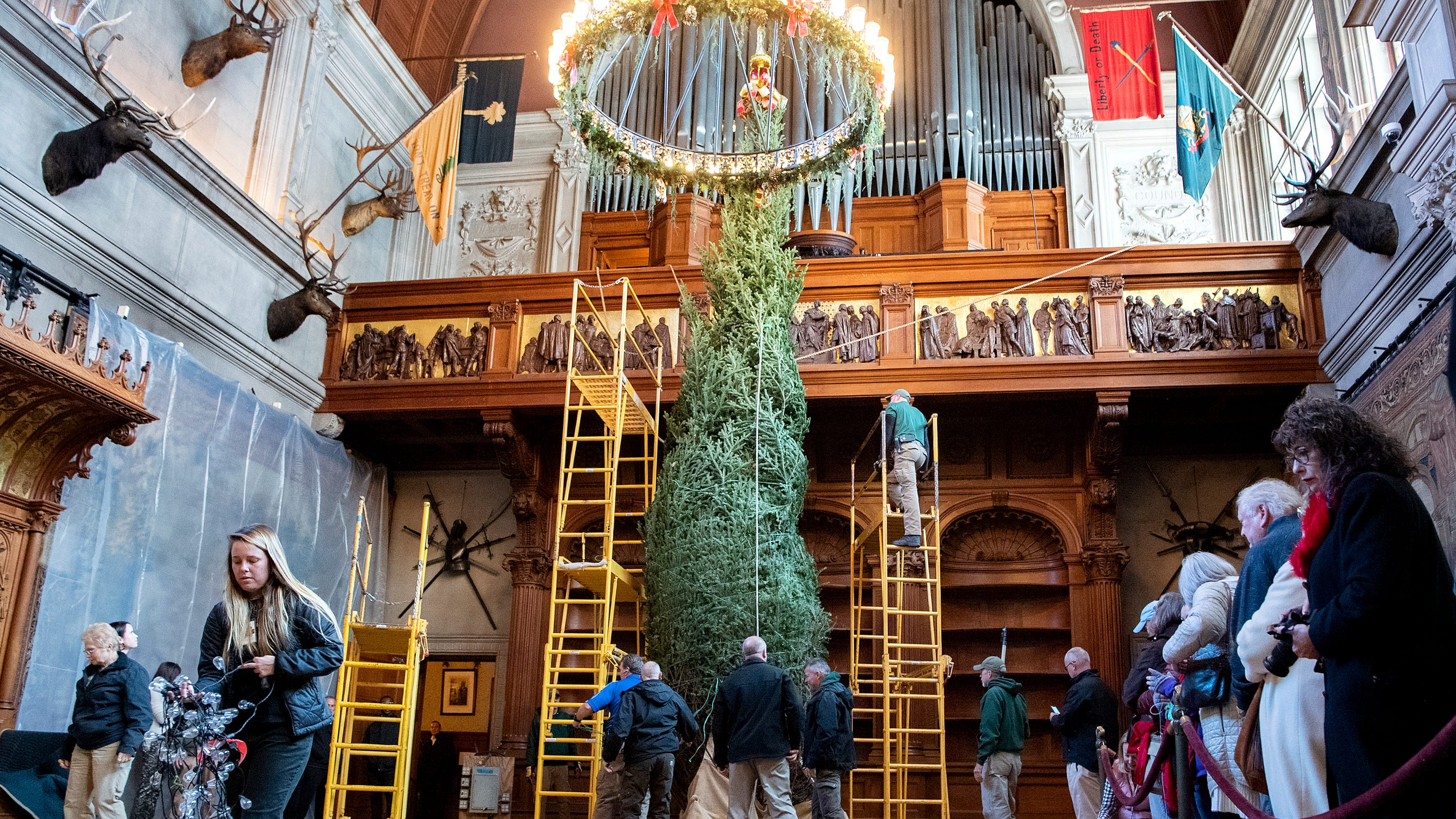 Biltmore ushers in holiday season with