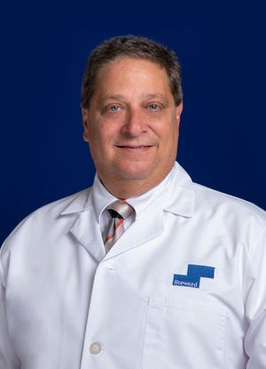 Dr. Harry Diaz is a board certified family physician for Rockledge Regional Medical Center.