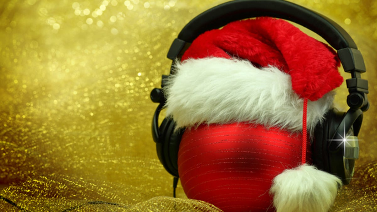 When Does Wnic Start Christmas Music 2020 Detroit's 98.7 The Breeze and 100.3 WNIC now playing Christmas music