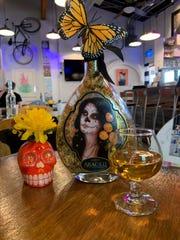 Araceli se sirve en tres cócteles en El Charro Hipster Bar and Cafe en Grand Ave. en Phoenix La Flor Amargo, una delicada mezcla de Araceli y jugo de toronja, que lleva el nombre de un cantante mexicano. El Mama Rose es un café con infusión de rosas con un trago de Araceli, y un Café de Olla con picos tiene un sabor dulce de café.