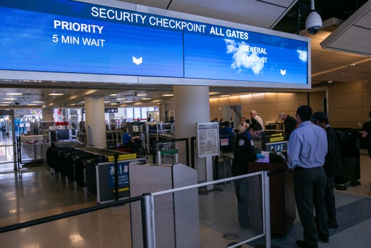"""<strong>Checkpoint savvy </strong><br /> DFW has multiple security checkpoints in each terminal and 15 checkpoints overall.<br /> <br /> <a href=""""https://www.dfwairport.com/security/index.php"""" target=""""_blank"""">Real-time security checkpoint wait time information is available online</a>, via terminal screens and on the <a href=""""https://www.dfwairport.com/mobileapp/"""" target=""""_blank"""">DFW mobile app</a>."""