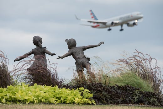 """<strong>DFW Founders&rsquo; Plaza </strong><br /> Located on DFW airport property, <a href=""""https://www.dfwairport.com/founders/index.php"""">Founders&rsquo; Plaza</a> is a small park-like area popular with families and plane spotters that provides parking, picnic tables, telescopes, historic information, a commemorative monument and great views of aircraft taking off and landing.<br /> <br /> Bonus: a radio lets visitors listen to air traffic controllers in the FAA tower. Hours: 7 a.m. to 7 p.m. daily."""