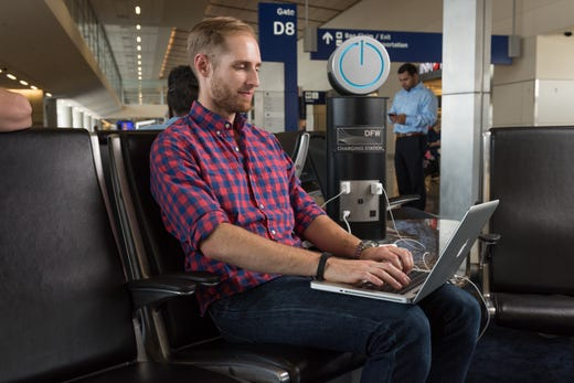 """<strong>Get connected at DFW&nbsp;&nbsp;&nbsp;&nbsp;&nbsp;&nbsp;&nbsp;&nbsp;&nbsp;&nbsp;&nbsp;&nbsp;&nbsp;&nbsp;&nbsp;&nbsp;&nbsp;&nbsp;&nbsp;&nbsp; </strong><br /> DFW Airport provides <a href=""""https://www.dfwairport.com/wifi/index.php"""" target=""""_blank"""">free Wi-Fi airport-wide</a>. (The fine print: You must provide your email and sign up for a DFW newsletter.)<br /> <br /> <strong>Power up:</strong>&nbsp;Charging stations and power outlets are located throughout the airport."""