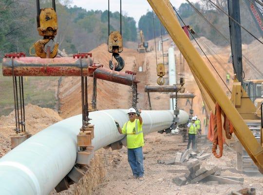 Portion of Keystone Pipeline shut down after 380,000-gallon oil leak in North Dakota