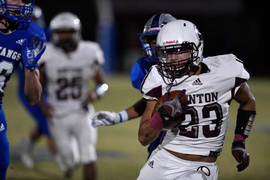 Sinton's Rylan Galvan runs with the ball at the game against Ingleside, Friday, Nov. 1, 2019. Sinton won, 43-29.