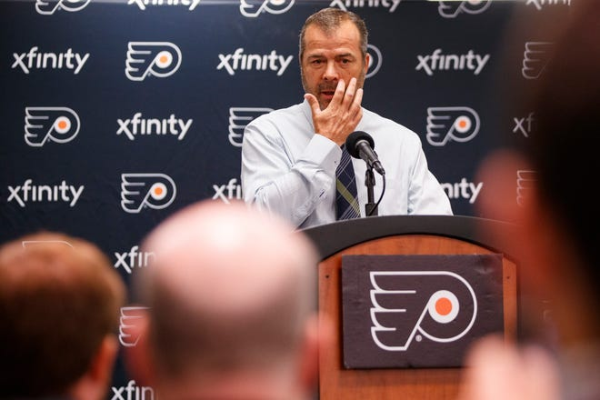 Alain Vigneault usually comes to his media scrums with an agenda in mind and this week that meant calling out two top players.
