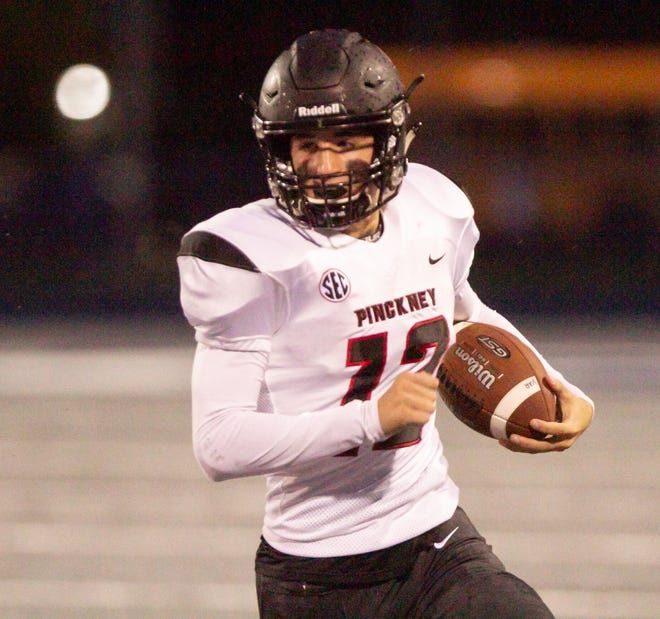 Quarterback Joe Bona gave Pinckney a 7-0 lead over Coldwater with a 59-yard run.