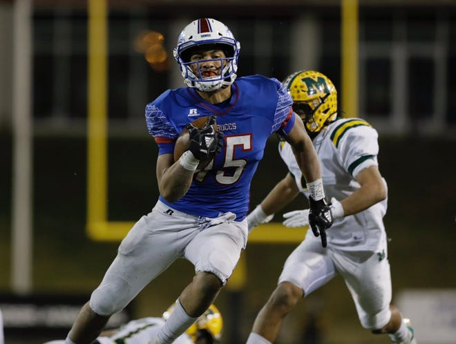 Las Cruces faced rival Mayfield at Aggie Memorial Stadium on Friday, Nov. 1, 2019 in Las Cruces, N.M.