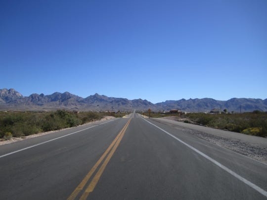 The newly resurfaced Soledad Canyon Road and multi-purpose path provides excellent access to the BLM Day-Use Area, as well as the southern Sierra Vista Trailhead.