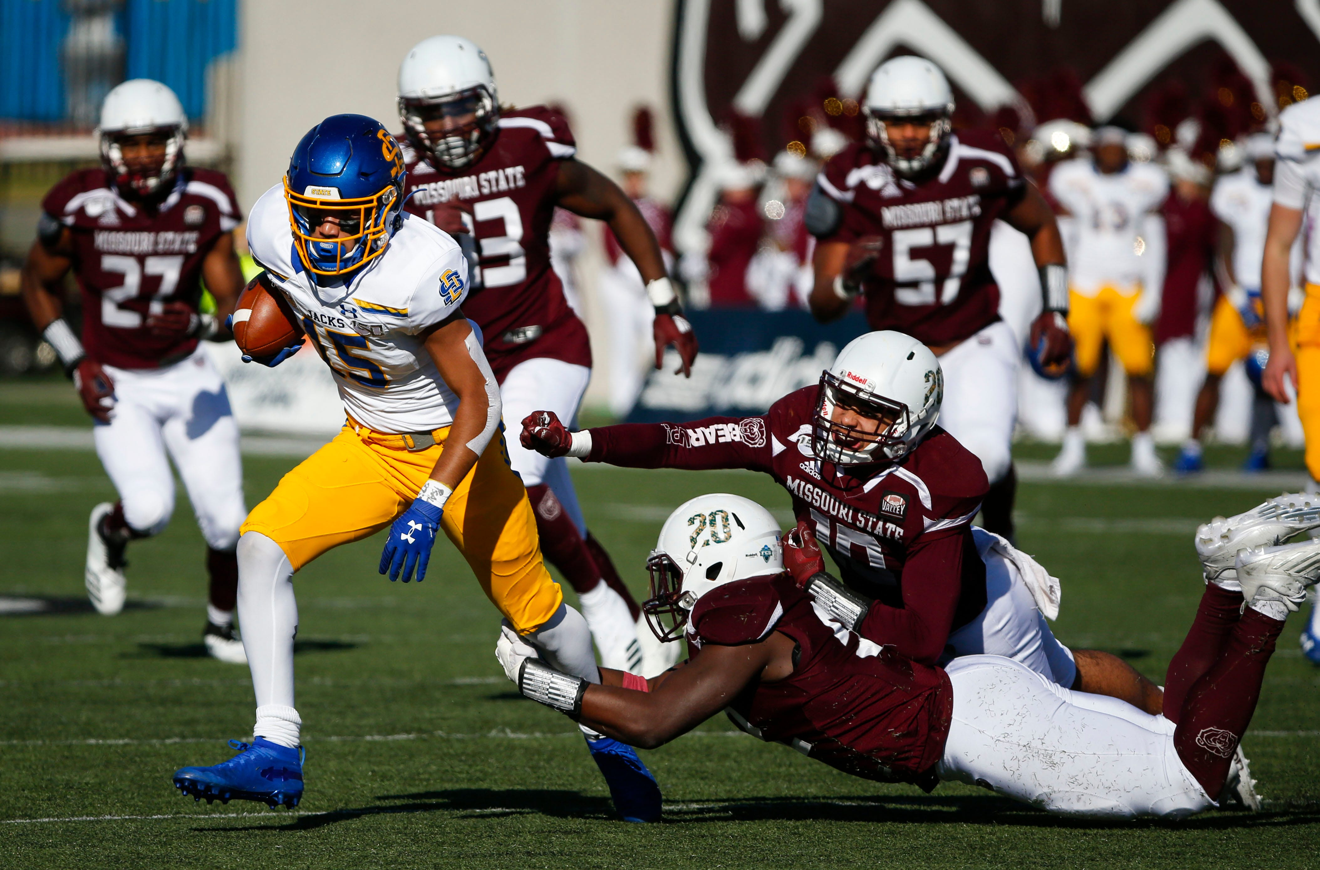 Sdsu Football Illinois State Comes To Brookings Fighting For Playoff Lives