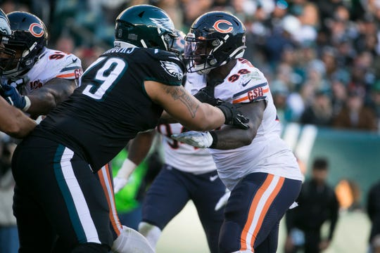 Chicago Bears defensive end and University of Delaware and Hodgson Vo-Tech alumni Bilal Nichols (98) battles against Philadelphia's Brandon Brooks (79) during the Nov. 3  matchup at Lincoln Financial Field.