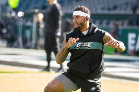 Eagles' DeSean Jackson warms up before facing the Chicago Bears on Sunday, Nov. 3, 2019 at Lincoln Financial Field.
