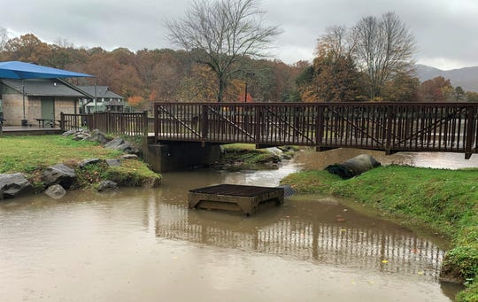 Black Mountain aldermen approved a contract with Wildlands Engineering, Oct. 14, to repair the failed sediment management system north of the pedestrian bridge at Lake Tomahawk.