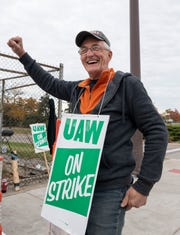 UAW members who went on strike against GM for six weeks will get their final strike-duty paychecks this week.
